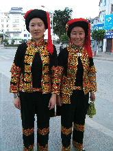 民族衣装を楽しむための定期市情...